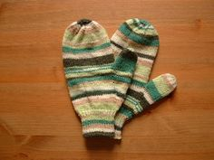 The pattern is adapted for all yarn weights and all gauges. Any yarn, or combo of yarns, two different sizes of double point needles for ribbing and mitten proper. About 2-3 ozs. of yarn needed for an adult pair in medium wt. yarn.