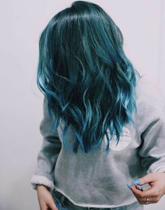 Teal Hair Dye, Turquoise Hair Ombre, Dark Teal Hair, Hair Dye Shades, Blue Green Hair, Ombre Hair Color, Dyed Hair, Hair Colors, Teal Blue