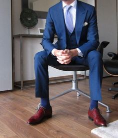 669599cba96c Which color shoes should I wear with blue suit  - Quora