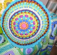 Fair Isle Cushion 2012...Free pattern for front and back!! This is a very colorful pillow!