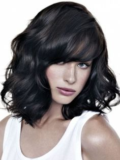 Chic Medium Haircuts for Summer - Sport a no-fuss hairstyle during the hot season. Take advantage of the chic medium haircuts for summer below and plan your seasonal beauty update very carefully.