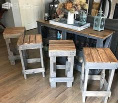 If you need more seating for guests, but would rather save the money for designer beer, build your own Pallet …