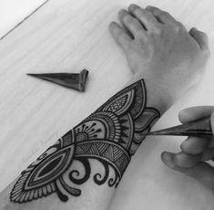 Ideas for tattoo arm men henna Men Henna Tattoo, Henna Men, Henna Body Art, Hand Henna, Mehndi Designs, Indian Henna Designs, Henna Tattoo Designs, Henna Designs For Men, Art Designs