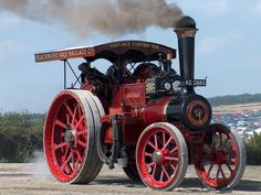 Steam and power! Antique Tractors, Vintage Tractors, Old Tractors, Antique Cars, Vintage Cars, Vintage Tools, Old Farm Equipment, Heavy Equipment, Steam Tractor