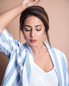 Hina Khan Looks Hotshot Lady Boss In Her Pant Suit Look At the Renault India Event - HungryBoo Beautiful Bollywood Actress, Most Beautiful Indian Actress, Indian Makeup Trends, Heena Khan, Teal Eyes, Hippie Hair, Indian Tv Actress, Indian Actresses, Indian Party Wear