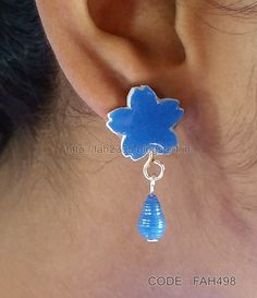 https://flic.kr/p/JGJ37i   Handmade Jewelry - Cardboard Stud Earrings (FAH498) (1)   These jewelries are made out of paper.…