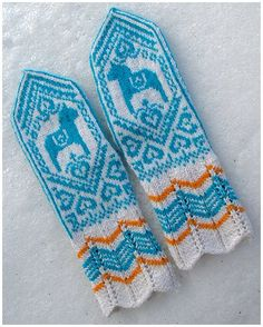 Dalarna horse mittens. love turquoise and orange