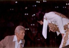 Elvis talking to his father from the stage in Cincinnati, OH June 25, 1977