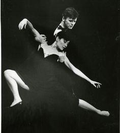 "Mikhail Baryshnikov and Elaine Kudo in Twyla Tharp's ""Sinatra Suite"""
