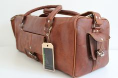 Handmade chemical free leather weekend travel bag by Retro&Beans. Free worldwide delivery today at retrobeans.com.