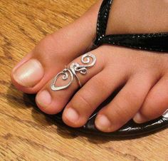 new-style-Toe-Ring-Tattoo-Designs-Collection Plz Like, Repin, Follow!