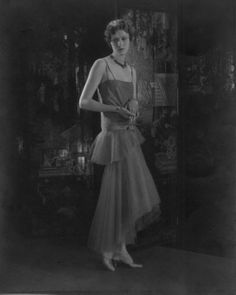 Chanel fashion, 1928 by Edward Steichen -repinned by LA County, California photographer http://LinneaLenkus.com  #portraitphotographyinspiration
