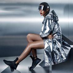 Rihanna apareceu com a viseira paparazzi em fotos de campanha da sua parceira com a Puma - será que a moda pega?