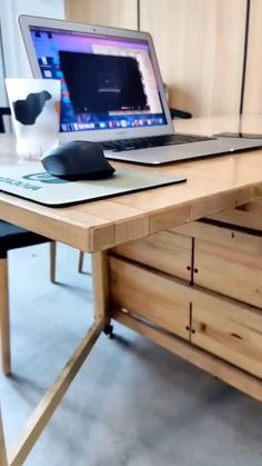 Home Room Design, Home Office Design, House Design, Diy Furniture, Furniture Design, Furniture Vintage, Desk Storage, Extra Storage, Home Office Setup