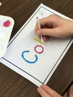 Getting Started With Fine Motor Morning Work Stations - Differentiated Kindergarten Name Activities Preschool, Kindergarten Names, Differentiated Kindergarten, Motor Skills Activities, Preschool Learning, Learning Activities, Preschool Activities, Kindergarten Morning Work, Teaching