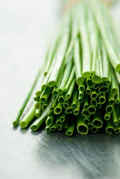 chives - eat | raw food - healthy - vegetables - green - delicious - inspiration - idea - food board - food photography - styling - pictures