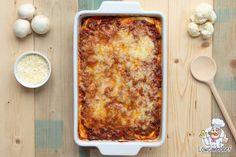 Op zoek naar een lekker en gezond lasagne recept? Probeer dan eens deze koolhydraatarme bloemkool lasagne. Een portie bevat slechts 11,4 gr koolhydraten! #lasagne #bloemkool #koolhydraatarm Healthy Recepies, Super Healthy Recipes, Low Carb Recipes, Cauliflower Dishes, Good Food, Yummy Food, Keto Dinner, Bolognese, Meal Planning