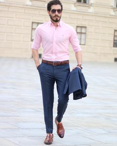 How to wear: navy suit, pink dress shirt, brown leather loafers, brown Blue Shirt Outfit Men, Mens Dress Outfits, Stylish Mens Outfits, Pink Outfits, Brown Shoes Outfit, Blue Suit Brown Shoes, Blue Suit Men, Pink Suit, Black Suits