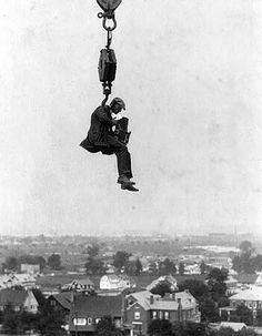 """Before """"Rooftopping"""" – 16 Interesting Vintage Pictures of Photographers Taking Photos at Height"""