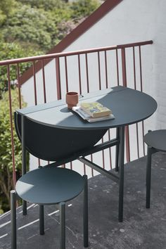 Picnic Table 105, Hunter Green Touch Up Paint, Outdoor Tables, Outdoor Decor, Hunter Green, Winter Time, Picnic Table, Balcony, Outdoor Furniture, Chair