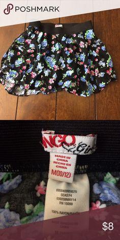 Bongo floral skirt Girls size 10/12 floral bongo skirt. Stretchy waist. Light wear. BONGO Bottoms Skirts