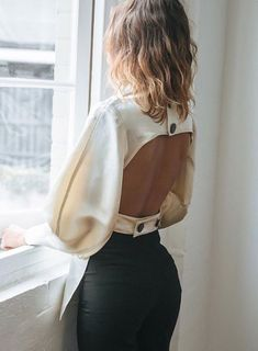 Find images and videos about fashion, beautiful and style on We Heart It - the app to get lost in what you love. Elegantes Outfit Frau, Fashion Details, Fashion Design, Fashion Trends, Fashion Lookbook, Fashion Bloggers, Cooler Look, High Fashion, Womens Fashion