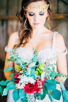 Photography: Kayla Coleman Photography - www.kaylacolemanphotography.com  Read More: http://www.stylemepretty.com/2015/02/18/southern-style-bohemian-wedding-inspiration/