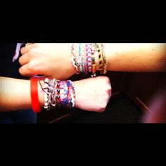 Lotsssss of braceletsssss.