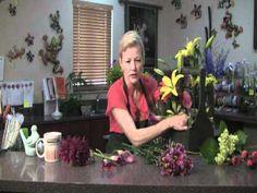Create this pretty Spring Garden Box with world renowned florist Deborah De La Flor!