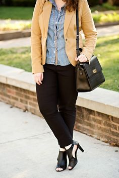 Tan blazer, skinny black cigarette slacks, chambray button-up shirt, neutral heels, and a bag - a simple recipe for an effortlessly sophisticated outfit.