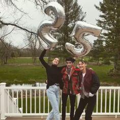 Gigi Hadid And Zayn Malik, 20 Weeks Pregnant, Zayn Mailk, Niall Horan, Star Wars, Expecting Baby, Celebrity Couples, Bella Hadid, Cute Couples