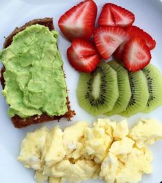 comida fit Beauty Trends 2019 beauty trends and innovation conference Quick Healthy Breakfast, Healthy Meal Prep, Healthy Snacks, Healthy Eating, Healthy Recipes, Health Breakfast, Think Food, Food Goals, Aesthetic Food