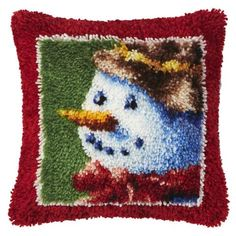 Great Free Latch Hook blanket Thoughts Latch hook is usually a great, quick craft that lets you create photographs and styles simply by kno Latch Hook Rug Kits, Quick Crafts, Tie Knots, Rug Hooking, Craft Kits, Snowman, Cross Stitch, Blanket, Wool