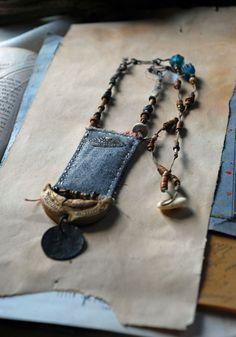 Byzantium evil eye protection necklace - - Byzantium evil eye protection necklace pieces other Byzanz böse Augenschutz Halskette Jewelry Crafts, Jewelry Art, Beaded Jewelry, Handmade Jewelry, Jewelry Design, Textile Jewelry, Fabric Jewelry, Fabric Necklace, Diy Schmuck