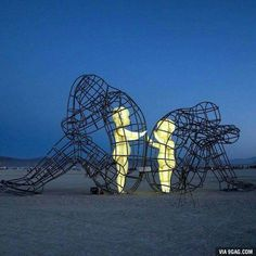 This sculpture speaks volumes! Alexandr Milov Sculpture From Burning Man 2015 Addresses The Painful Truth About Human Relationships Burning Man 2015, Burning Man Art, Burning Man Sculpture, Art Public, Instalation Art, 3d Fantasy, Wow Art, Inner Child, Land Art