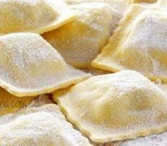 Recipe for ravioli dough – delizioso! - All Recipes Pumpkin Pasta Sauce, Pumpkin Ravioli, Ravioli Sauce, Vegan Ravioli, Spinach Ravioli, Cheese Ravioli, Pasta Casera, Dessert Pizza, Fresh Pasta