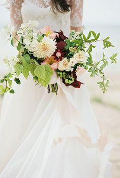 2016_bridescom-Editorial_Images-10-Dahlia-Wedding-Bouquet-Ideas-large-13-Dahlia-Wedding-Bouquet-Ideas-Kyle-John.jpg (460×680)