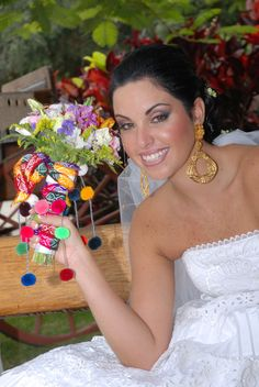 Peruvian wedding inspiration: colourful bouquet I LOVE IT Wedding Shoot, Wedding Themes, Fall Wedding, Wedding Colors, Wedding Styles, Wedding Ideas, Peru Wedding, Latin Brides, Mexican Quinceanera Dresses