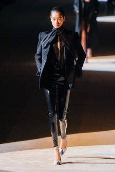 At Saint Laurent, Anthony Vaccarello held his show nestled steps away from the Eiffel Tower. This season, inspired by the good girls and bad boys of Yves Saint Fashion Line, Love Fashion, High Fashion, Fashion Show, Fashion Outfits, Fashion Design, Versace Fashion, Paris Fashion, Runway Fashion