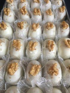 Chuva de ouro de nozes Chocolates, Pudding, Desserts, Food, Homemade Candies, Party Candy, Kuchen, Cookies, Cucina