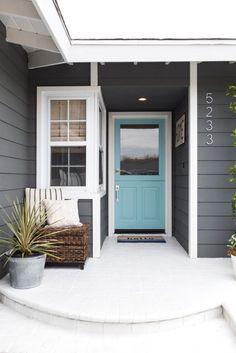Solutions To Grey Exterior House Colors 24 - sitihome Painted Exterior Doors, Exterior Paint Colors For House, Paint Colors For Home, Grey House Paint, Outside House Paint Colors, Diy Exterior House Painting, Gray House White Trim, Gray Exterior Houses, Dark Grey Front Door