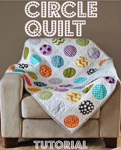 Can't wait to make this darling, simple-to-make quilt blanket. Free Tutorial.