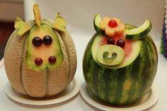 Schattig, uit meloen gesneden boerderij dieren #Koe #gezond #gerecht #Voedsel