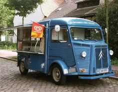 - food carts and fruit stands - Street Foods Citroen Type H, Citroen H Van, Catering Van, Mobile Cafe, Mobile Catering, Traction Avant, Food Vans, Vintage Recipes, Vintage Food