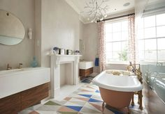 Drummond's Case Study: London Townhouse, Notting Hill : Bathtubs & showers by Drummonds