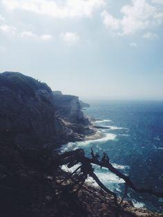 Sur les hauteurs de Bonifacio en Corse. www.les-escapades.fr