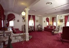 Inside Walt Disney's hidden apartment at Disneyland. My dream home!