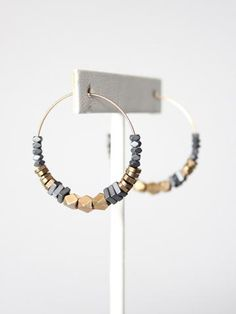 hematite and plated brass hoop earrings. Jewelry Making Beads, Diy Jewelry, Beaded Jewelry, Jewelry Accessories, Jewelry Design, Jewelry Ideas, Silver Jewelry, Diy Schmuck, Schmuck Design