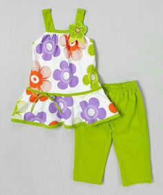great find on Lime Daisy Top & Capri Leggings - Toddler & Girls by G&J Relations Baby Girl Frocks, Frocks For Girls, Little Girl Dresses, Cute Outfits For Kids, Toddler Outfits, Toddler Girls, Little Girl Fashion, Fashion Kids, Girl Dress Patterns