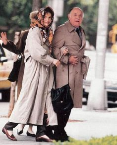 Jackie Onassis in Manhattan shortly before her death from Lymphoma, with her long-time companion Maurice Tempelsman.